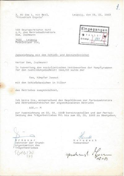 Auszeichnung mit dem Schieß- und Bestenabzeichen (1983)